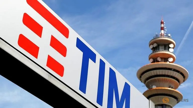 Exclusive: Italy working to create single broadband champion independent of TIM – source