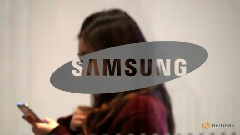 Samsung Electronics shares rally on Intel's chip outsourcing plan